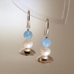 Orecchini in argento con acquamarina e perla